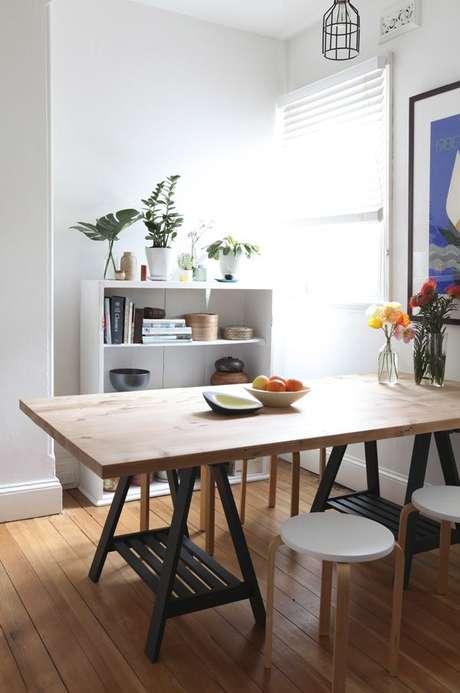 7. Mesa cavalete para sala de jantar rústica – Foto Justlia