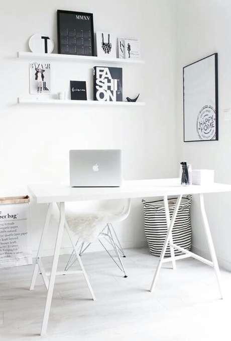 68. Cavalete branco para escritório clean – Foto Pinterest