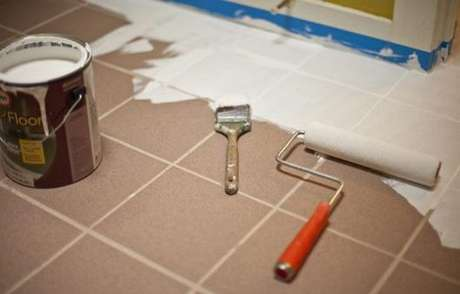 27. Piso pintado para sala de estar – Foto Doce Obra