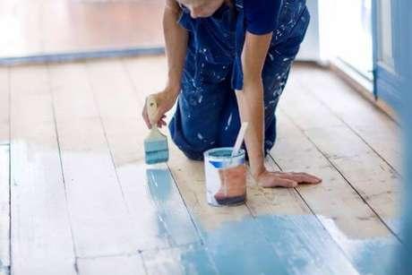 20. Piso pintado com cores vibrantes – Foto Blog das Cores