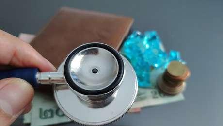 Aos que possuem um plano de saúde individual deve ficar atento à cobrança