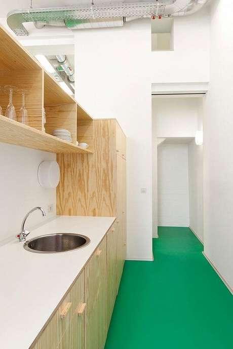 42. Cozinha com piso pintado verde – Foto Degoudeninaal