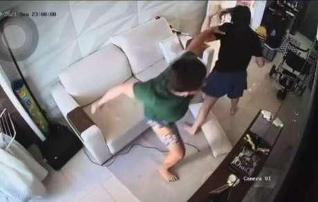 Pamella Holanda divulgou vídeos das agressõs em sua conta no Instagram