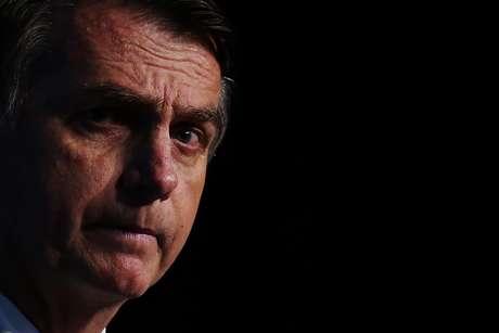 Nos últimos dias o presidente Jair Bolsonaro sofreu crises fortes de soluço