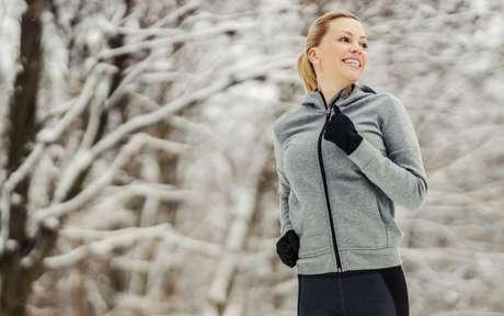 Treinar no inverno: 4 cuidados para tomar e 3 vantagens para aproveitar