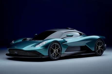 Aston Martin Valhalla Plug-in Hybrid.