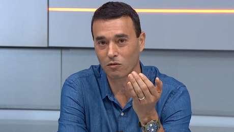 André Rizek elogiou o bom futebol do Defensa y Justicia (Reprodução / Sportv)