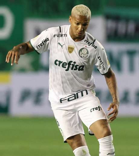 Deyverson mudou sua camisa na Libertadores (Foto: Cesar Greco/Palmeiras)
