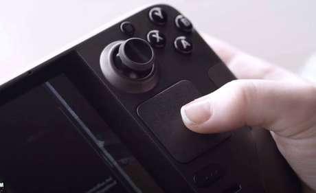 Steam Deck traz diversos botões, como analógicos e trackpads