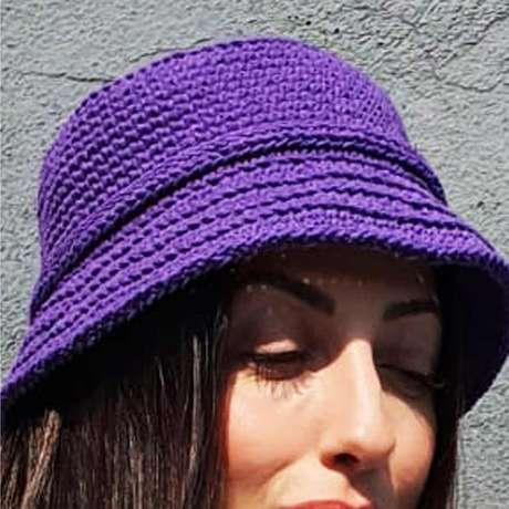 Chapéu bucket criado por Simone Guerreiro