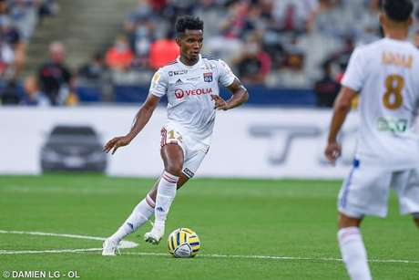 Thiago Mendes em ação pelo Lyon, da França (Foto: Divulgação/Lyon)