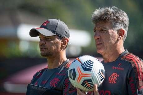 Renato Gaúcho em treino do Flamengo no Ninho (Foto: Alexandre Vidal/Flamengo)