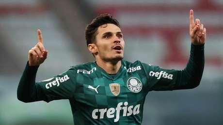 Raphael Veiga marcou de pênalti o gol da vitória do Palmeiras contra a Universidad Católica (Foto: Cesar Greco)