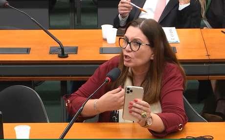 Bia Kicis, autora da PEC do voto impresso, na reunião desta sexta-feira