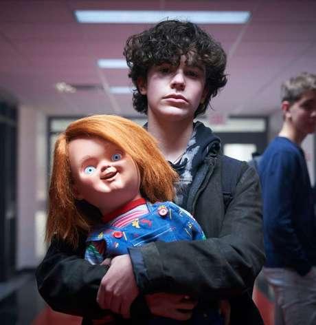 """Nova série do brinquedo assassino """"Chucky"""" terá protagonista gay; confira o trailer"""