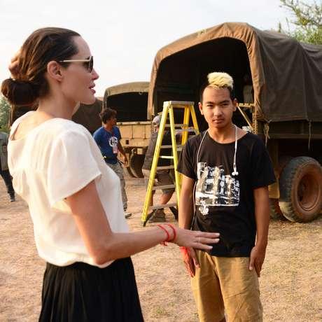 Angelina Jolie e o filho Maddox