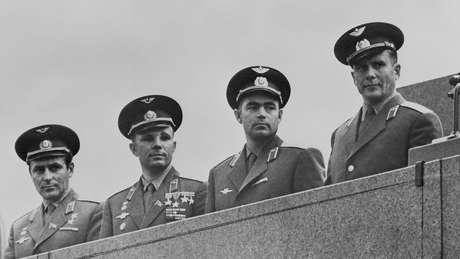 Il numero di potenziali cosmonauti di prima classe è stato ridotto a 20, compreso Yuri Gagarin, secondo da sinistra.