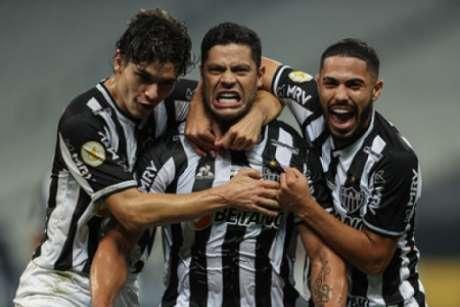 Hulk foi o nome do jogo com dois gols, que colocou o Galo na vice-liderança do Brasileirão-(Pedro Souza/Atlético-MG)