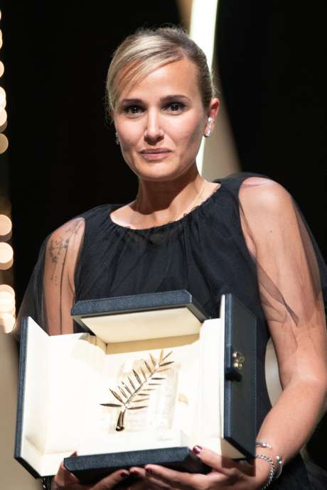 Julia Ducournau é a segunda mulher na história a vencer a Palma de Ouro em Cannes