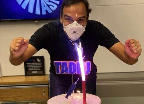 O apresentador do 'Fantástico', Tadeu Schmidt, que completou 47 anos
