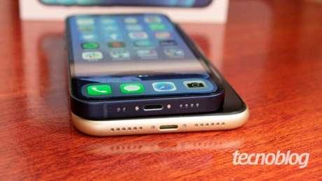 iPhone 12 Mini e iPhone XR
