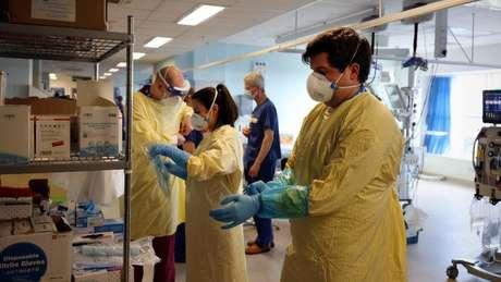 Cientistas alertam para um aumento nas hospitalizações diárias