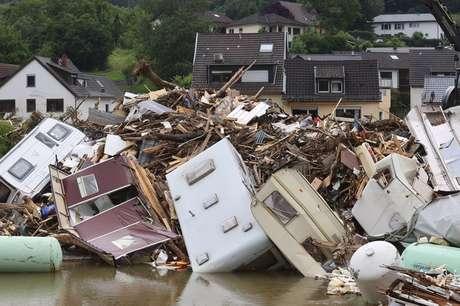Enchente em Kreuzberg, na Alemanha 19/7/2021    REUTERS/Wolfgang Rattay