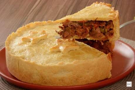 Guia da Cozinha - Receita de empadão de carne louca cremoso