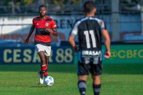 Otávio em ação pelo time sub-20 do Flamengo (Foto: Marcelo Cortes/Flamengo)
