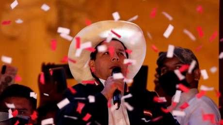Castillo venceu eleição peruana com 50,125% dos votos