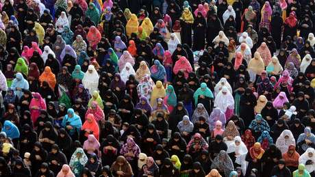 Ativistas dizem que mulheres de minorias religiosas e castas desfavorecidas são mais assediadas na internet