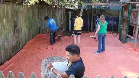 Em Nova Orleans, Mielke supervisionou a limpeza de locais de jogos contaminados com chumbo