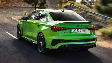 Novo Audi RS3 acelera de 0 a 100 km/h em apenas 3,8s e pode chegar aos 290 km/h.