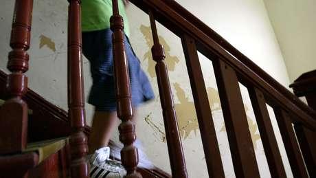 Chumbo, que pode vir de tintas à base de chumbo, é uma neurotoxina poderosa que pode causar danos irreparáveis ao cérebro das crianças