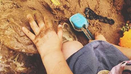 Parques e praças onde as crianças brincam podem ser uma fonte de envenenamento por chumbo, de acordo com especialistas em Nova Orleans