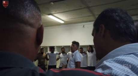 Renato rasgou o elenco de elogios (Foto: Reprodução / FlaTV / One Football)