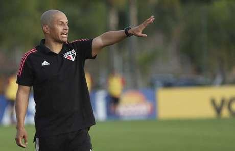 Alex mudou o esquema tático do São Paulo sub-20 (Foto: Anderson Rodrigues/saopaulofc.net)