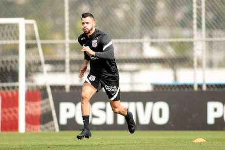 Giuliano fez o seu segundo treino no CT Joaquim Grava (Foto: Rodrigo Coca/Ag.Corinthians)