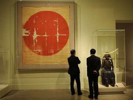 Os guerreiros samurais desenhavam círculos de sol em leques dobráveis