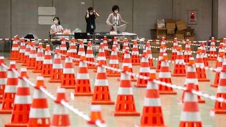 Espaços de testagem nos Jogos Olímpicos; presença de espectadores foi eliminada para evitar aglomerações