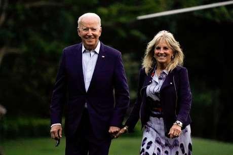 Presidente dos EUA, Joe Biden, ao lado da primeira-dama, Jill, na Casa Branca 18/07/2021 REUTERS/Elizabeth Frantz