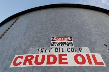 Tanque de estoque de petróleo no Texas, EUA.  22/11/2019    REUTERS/Angus Mordant