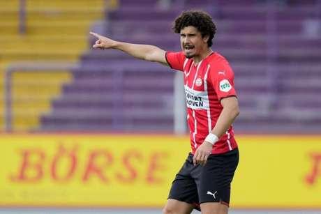 André Ramalho vem participando dos jogos de pré-temporada pelo PSV (PSV/Divulgação)