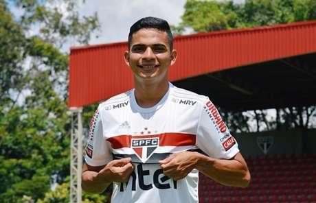 Bruno Rodrigues foi o primeiro reforço do São Paulo para a temporada (Foto: Érico Leonan / saopaulofc.net)