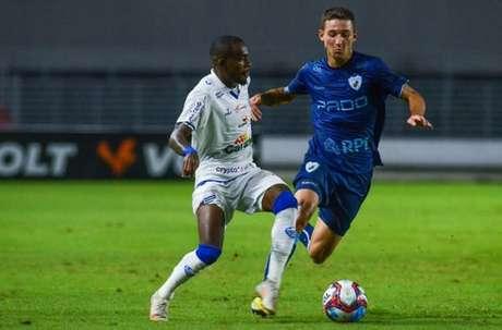 Atleta tem oito jogos na temporada pelo Azulão (Divulgação/CSA)