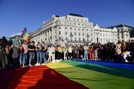 Protesto contra lei anti-LGBT em Budapeste, capital da Hungria