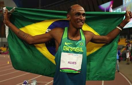 Alison Santos, o Piu, vem batendo recordes nacionais em 2021, depois de ter tido covid