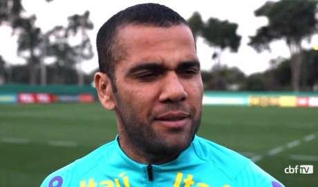 Daniel Alves é o atleta mais experiente da seleção olímpica, com 38 anos (Reprodução/CBF TV)
