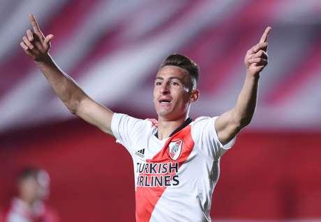 Braian Romero comemora após marcar o seu segundo gol na vitória do River Plate