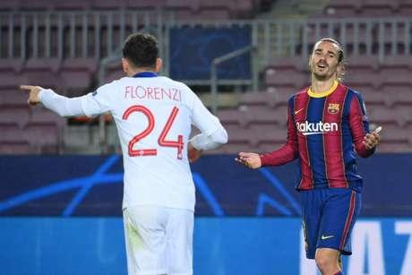 Griemann vive relação complicada com o Barcelona nesta janela de transferências (Foto: LLUIS GENE / AFP)